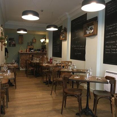 intérieur restaurant aux Ephérites